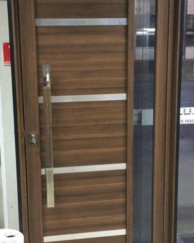 Porta Pivotante em Alumínio Efeito Madeira - Itaquera