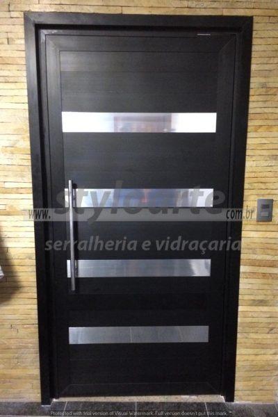 Porta elegante em Alumínio - Itaquera